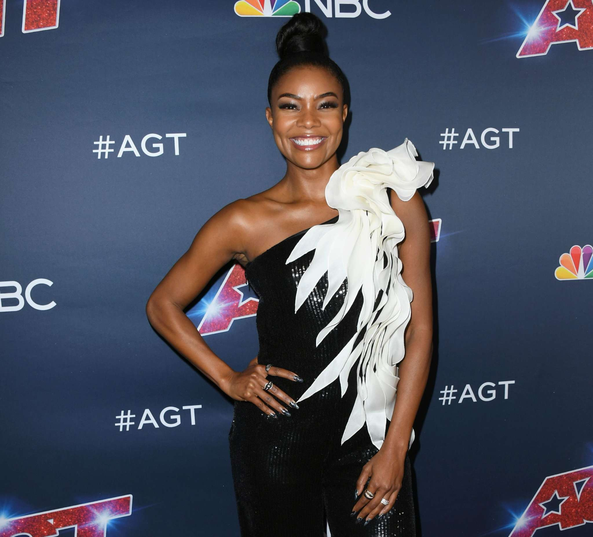 Gabrielle Union Shows Off Her Curves At The Gym – See Her Clip