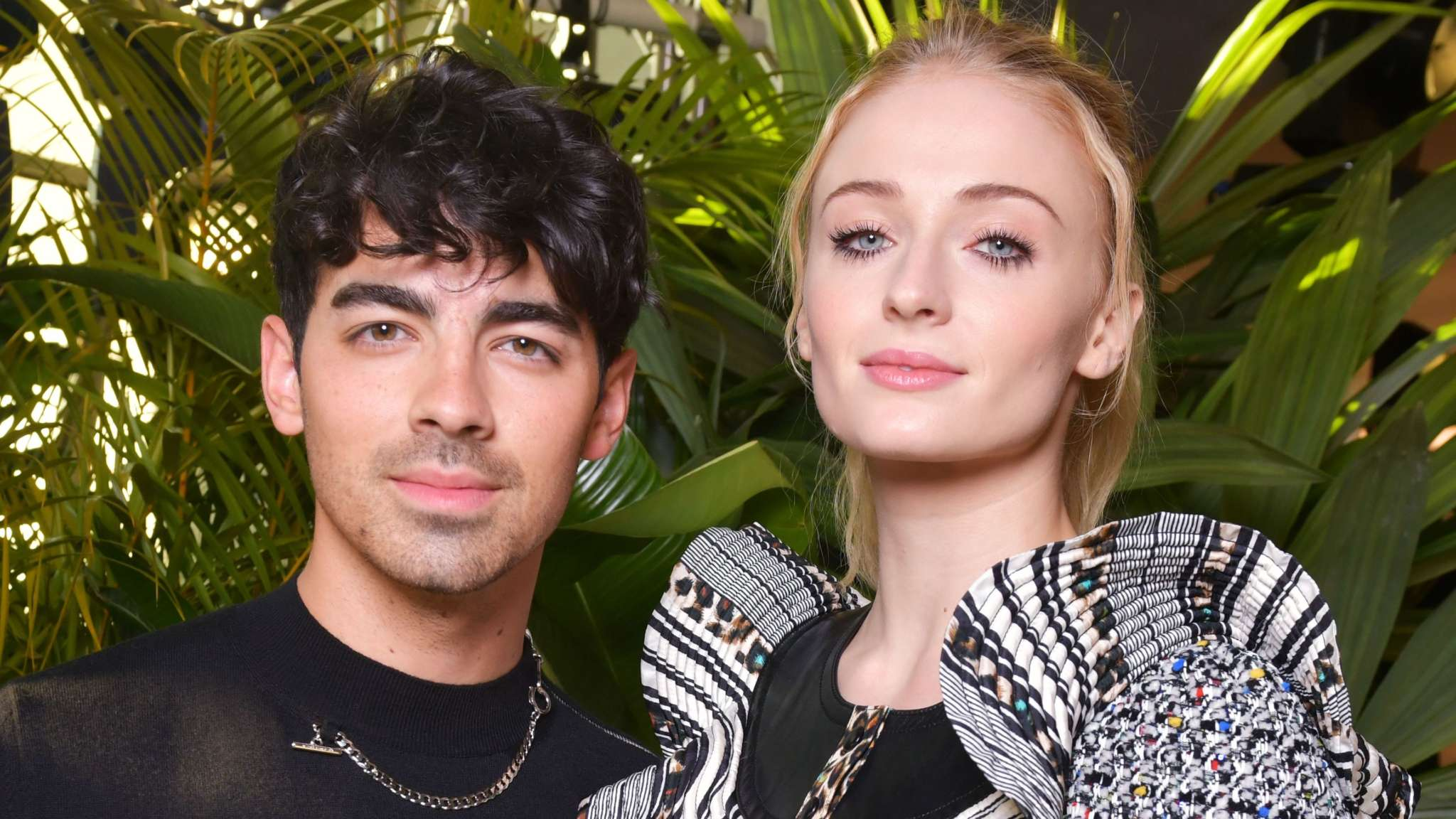 Sophie Turner Shows Off Hilarious Hannah Montana T-Shirt Her Hubby Joe Jonas Gifted Her Before Christmas!