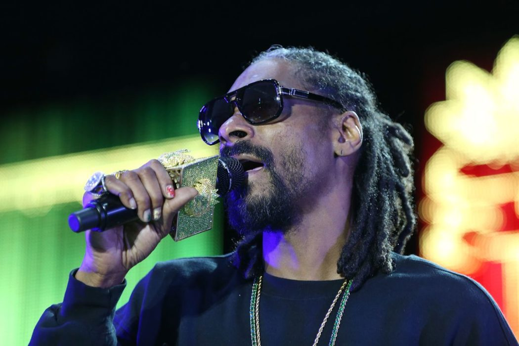 Snoop Dogg Intensifies Growing Eminem Beef After The Rapper Said He Can 'Live Without' Eminem's Music