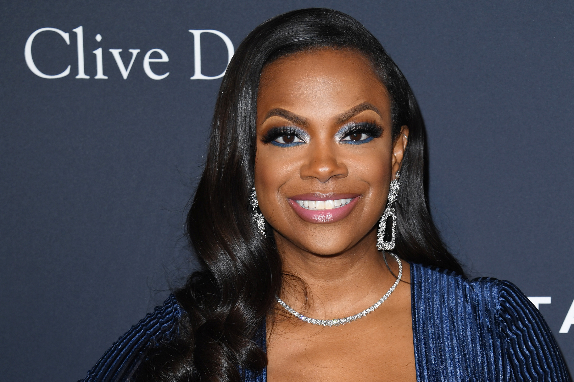 Kandi Burruss Flaunts A New Sporty Look – Check It Out In This Photo Session