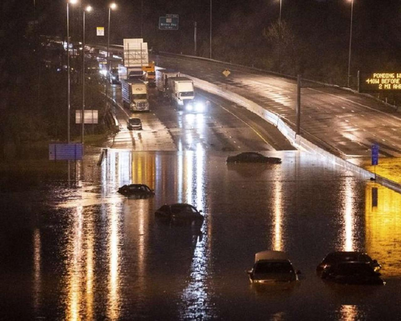 Recorded rains cause flooding in Tennessee; 4 dead
