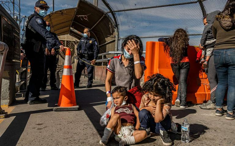 Families%20transported%20to%20the%20border%20say%20they%20are%20shocked%20and%20confused