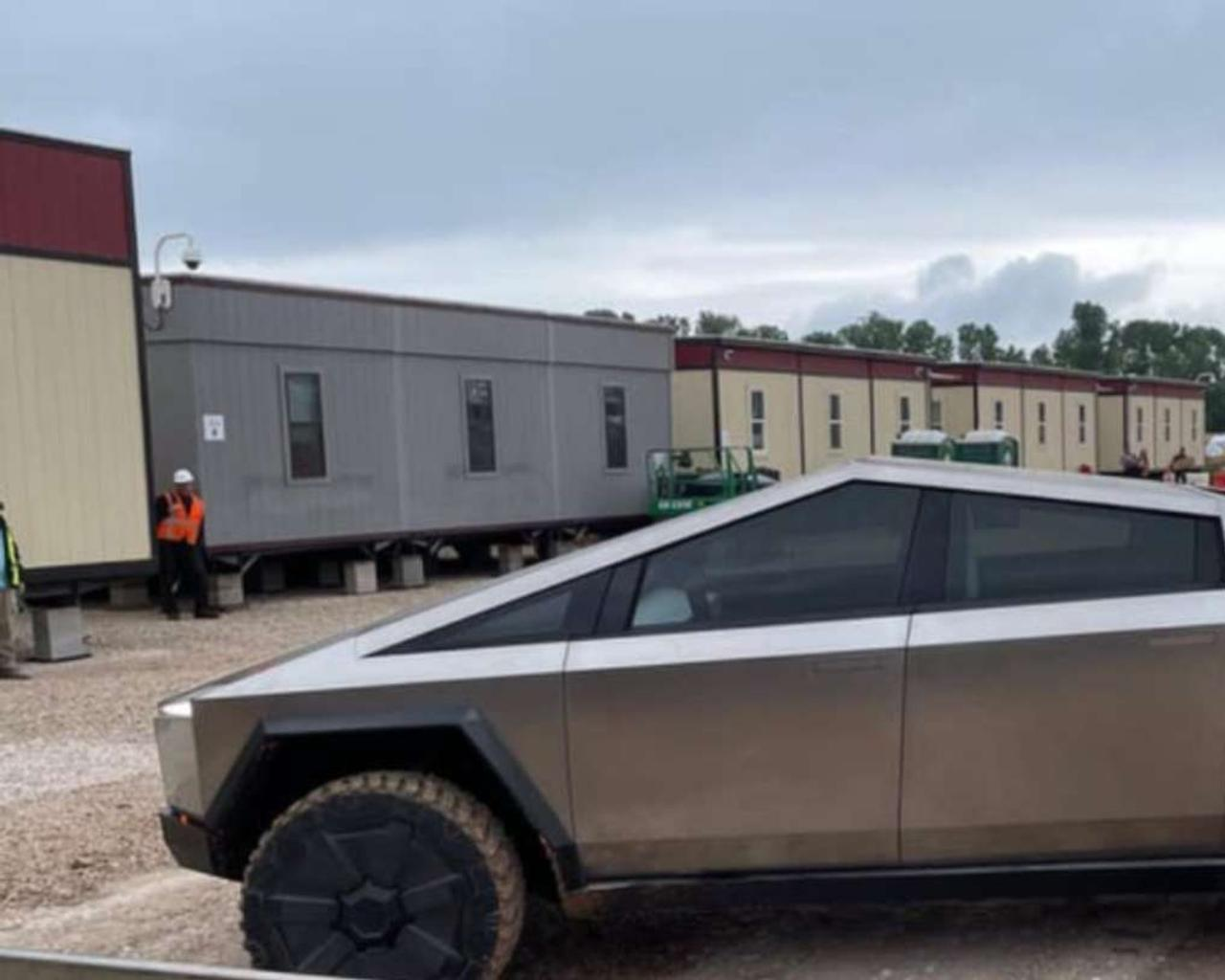 This is how Elon Musk arrived driving a Tesla Cybertruck to the factory where the vehicle will be mass-produced.