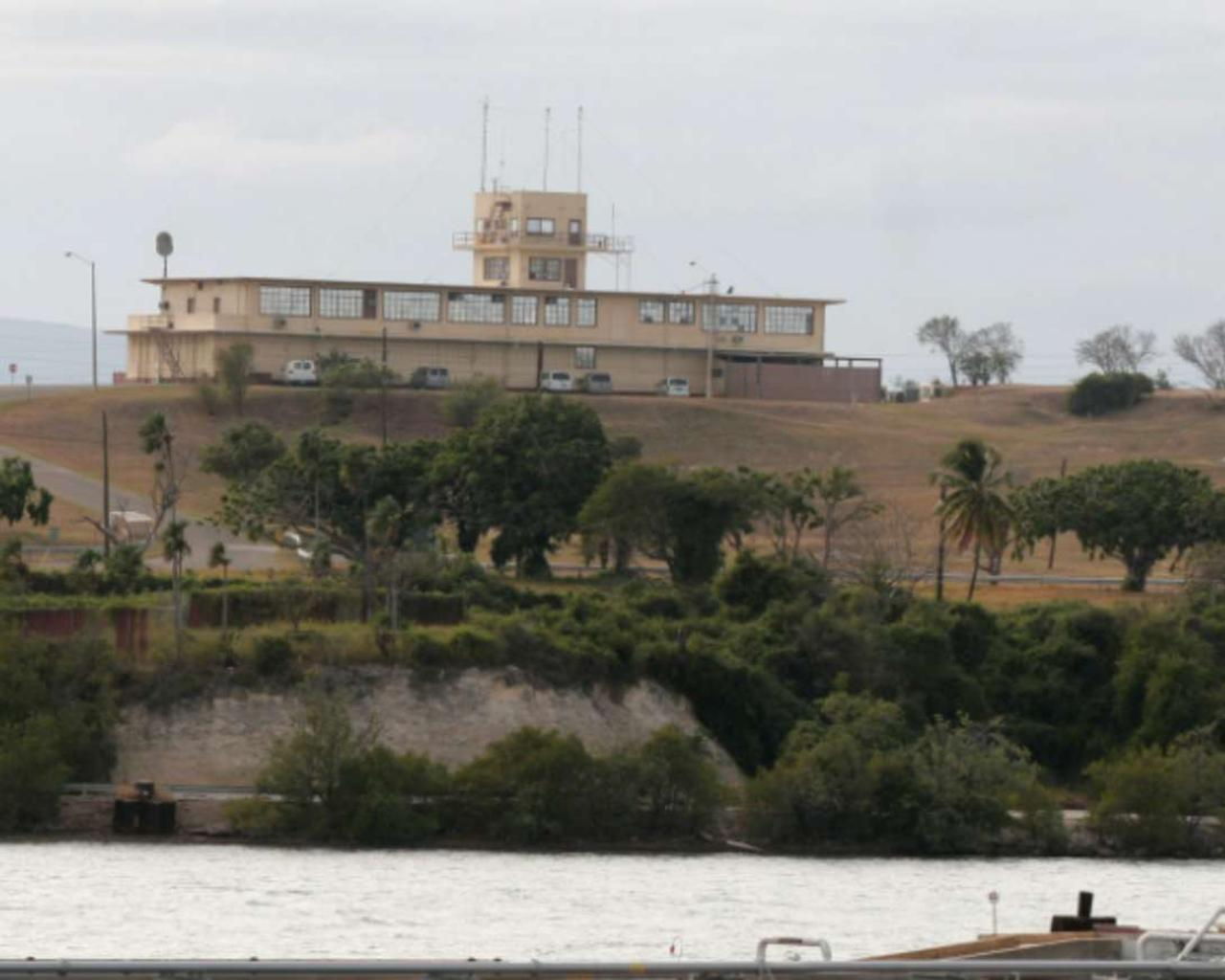 The U.S. Southern Command has reported the transfer of detainees to Guantanamo.