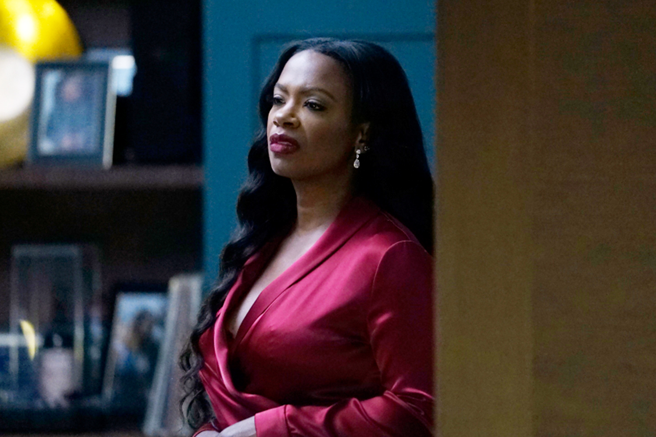 Kandi Burruss Gets Closer To The Premiere Of 'Envy' – Check Out Her Photo Here