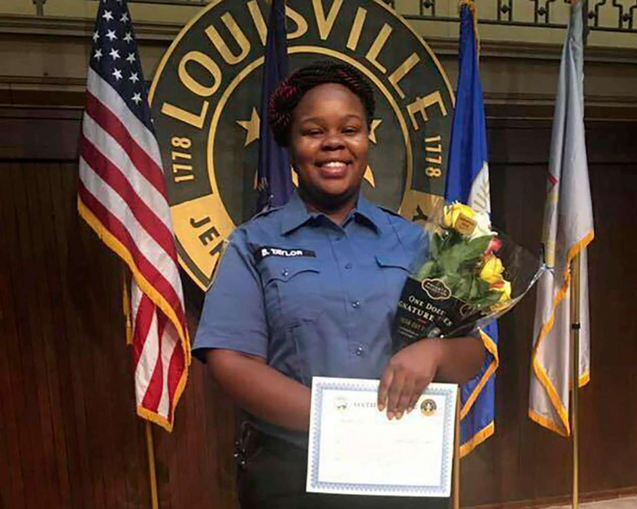 Kentucky imposes restrictions on non-knocking following the death of Breonna Taylor