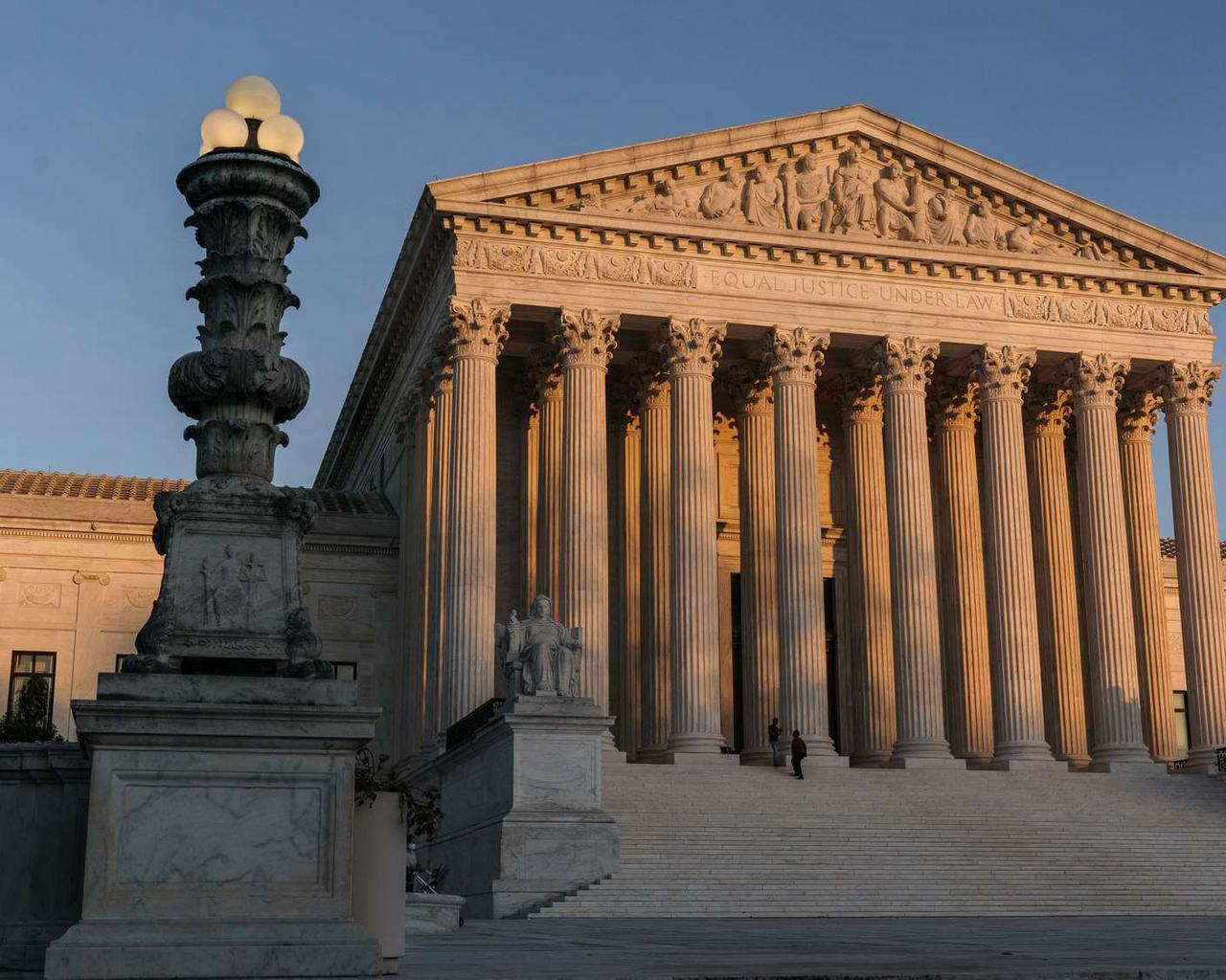 The California Covid ban on religious practices has been blocked by the Supreme Court once more.