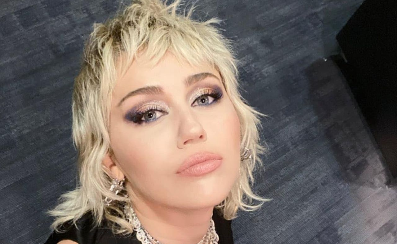 Watch Miley Cyrus Cover Queen, Stevie Nicks, And The Guess Who As Rock-Star Goddess Performs At NCAA Final Four
