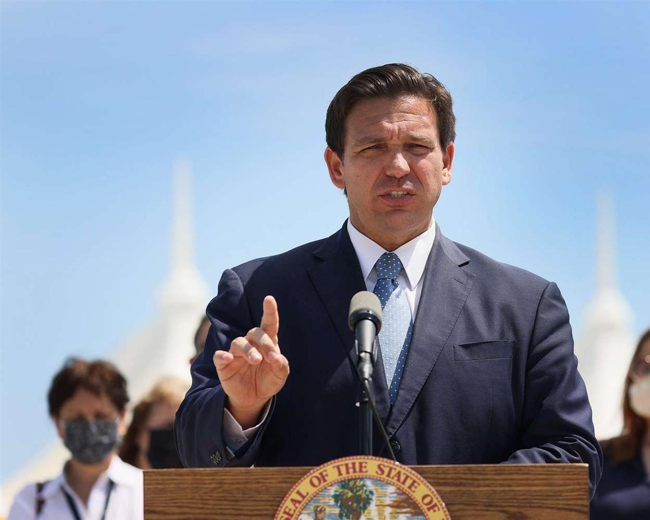 Florida is suing the state government for allowing shipping