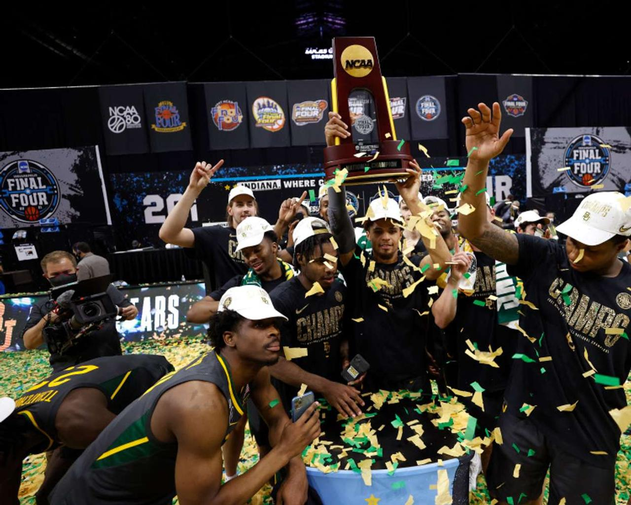 Baylor takes the NCAA men's tournament title by defeating Gonzaga